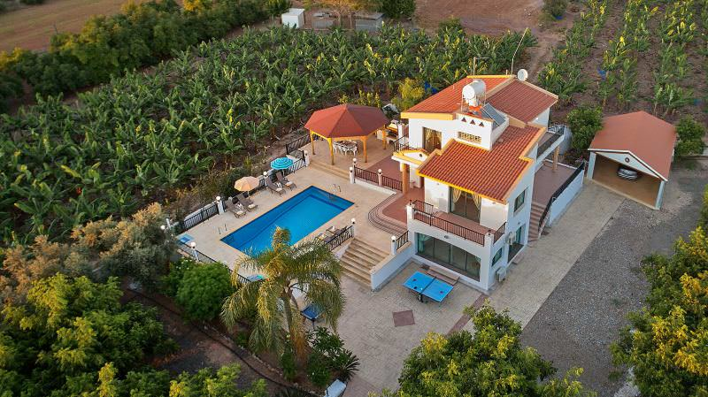 Cyprus_property_photography_for_sale_slideshow_uncropped-0023
