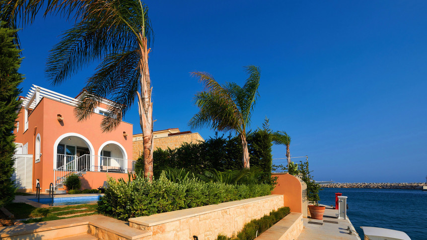16-9-Cyprus_holiday_let_photography_slideshow_uncropped-0003