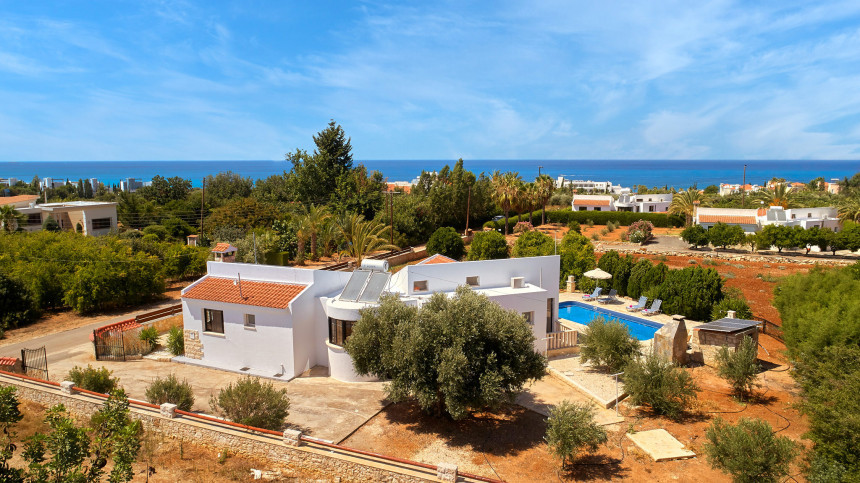 16-9-Cyprus_holiday_let_photography_slideshow_uncropped-0028