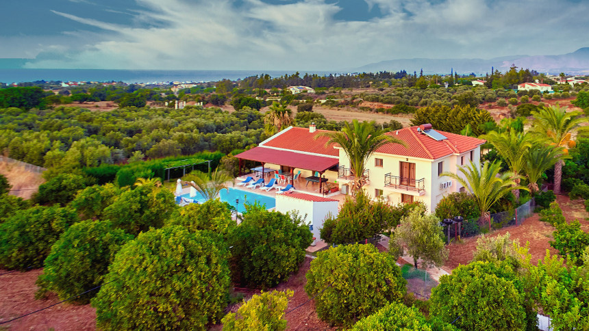 16-9-Cyprus_holiday_let_photography_slideshow_uncropped-0035