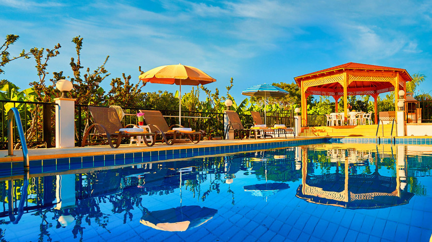 16-9-Cyprus_holiday_let_photography_slideshow_uncropped-0041